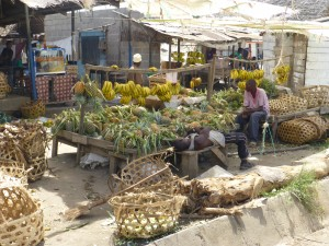 We passed this colorfuil large pineapple and banana and basket stand